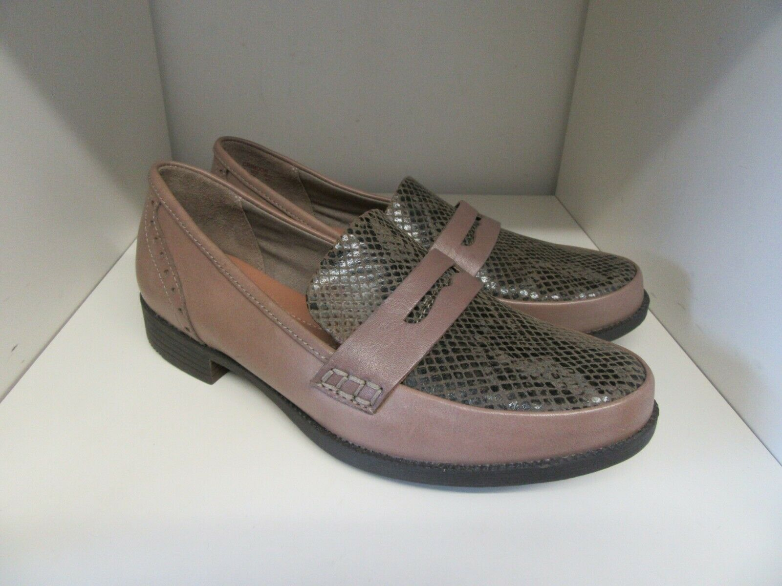 HOTTER CRIMDON TAUPE SNAKESKIN LEATHER LOAFER chaussures Taille 4 STANDARD BRAND NEW