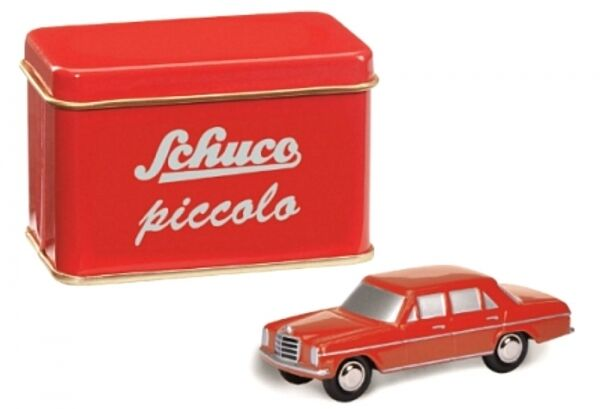 Mercedes-Benz 8 (Red) in a Tin Box (piccolo-jahresmodell 2016)