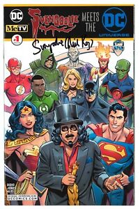SIGNED SVENGOOLIE MEETS THE DC UNIVERSE #1 NEW YORK COMIC CON NYCC EXCLUSIVE!!!
