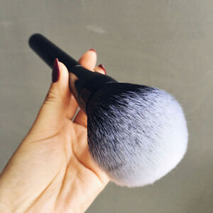 Make-Up-Large-Soft-Beauty-Powder-Big-Blush-Flame-Brush-Foundation-Cosmetic-Tool