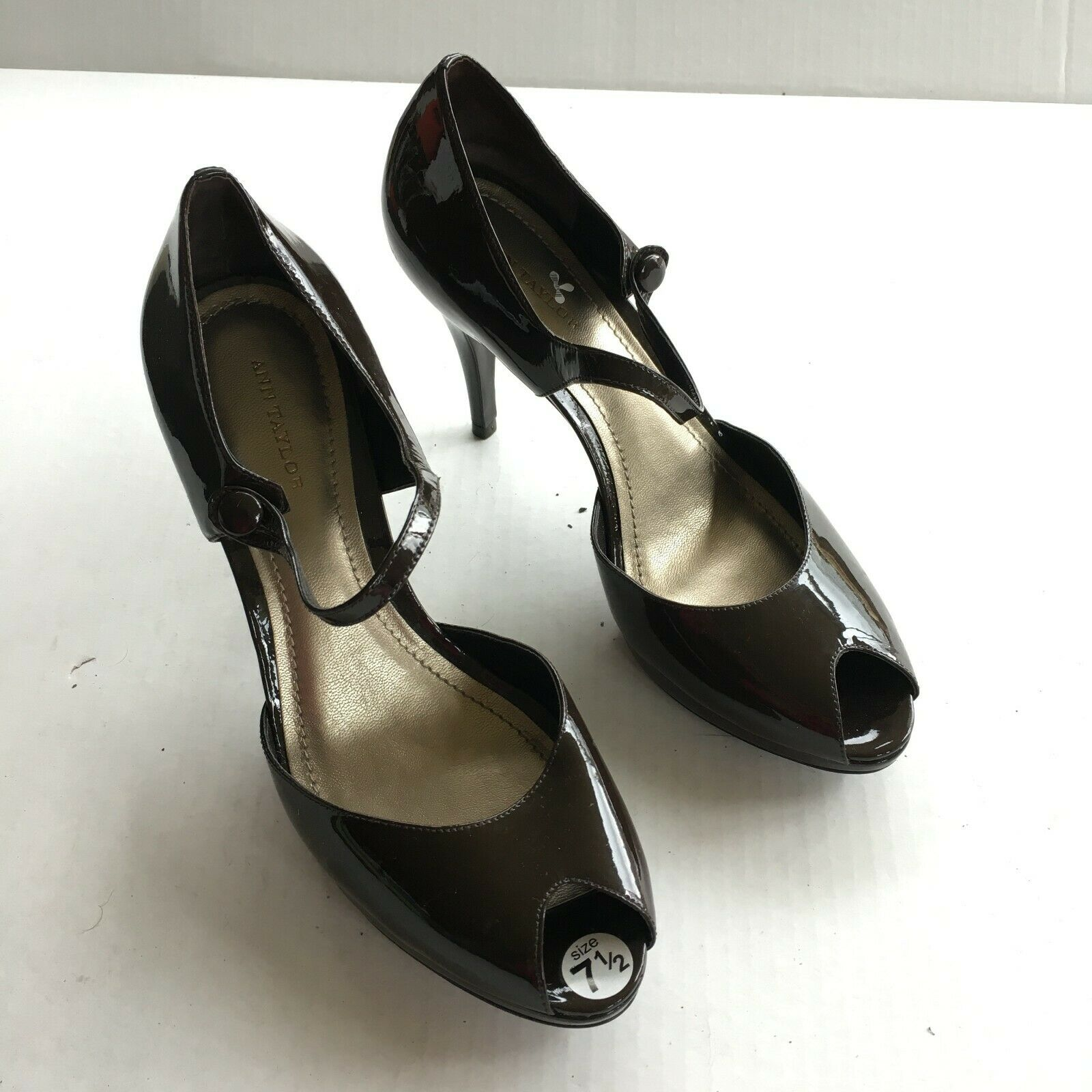 NEW Ann Taylor Brown Patent leather pumps 7.5M Shoes Open toe Mary Jane buckle