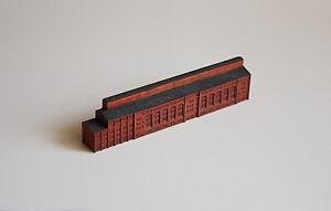 GL41-Briquette-Factory-1-1250-Gebaeude-fuer-Schiffsmodelle-painted