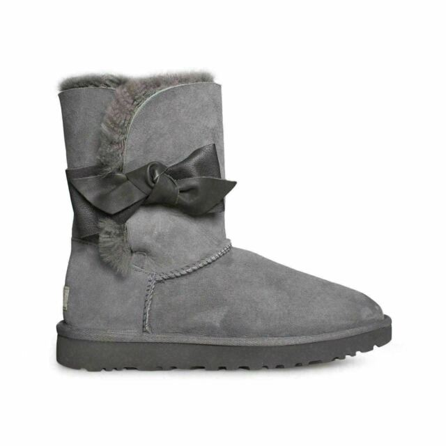 ffeba596a88 UGG DAELYNN GREY SUEDE SHEEPSKIN BOW WOMEN'S SHORT BOOTS SIZE US 9/UK 7.5  NEW