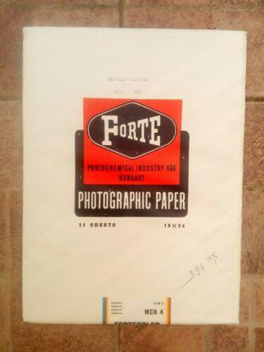 Photographic paper old vintage 25 pcs Forte  altes Fotopapier 25 St 18x24 cm