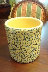 Roseville-Ohio-Ransbottom-sponge-ware-pottery-container