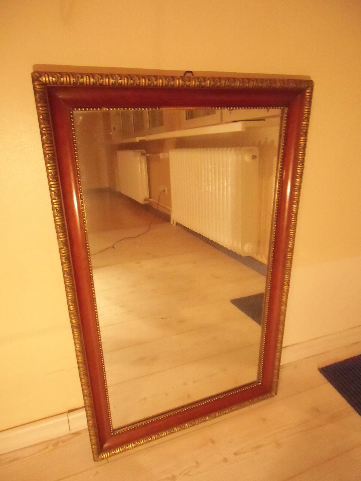 Spiegel in Holz mit Goldfarbe alt