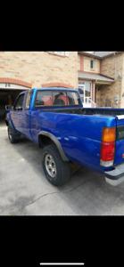 Clean 1993 Nissan hardbody 4x4 pickup
