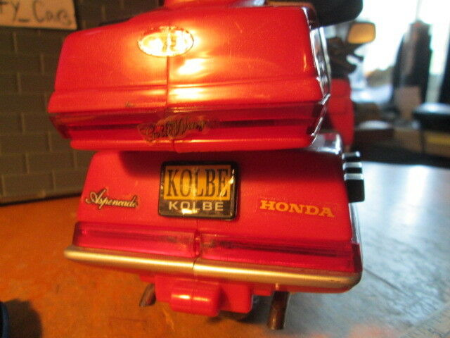 1995 HONDA goldWING BATTERY OPERATED MOTORCYCLE SCALE DIORAMAS  PARTS PARTS PARTS  DISPLAY  7ec6f9