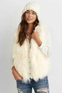 NEW American Eagle Women's Ivory Faux Fur Sleeveless Vest Jacket Size Medium