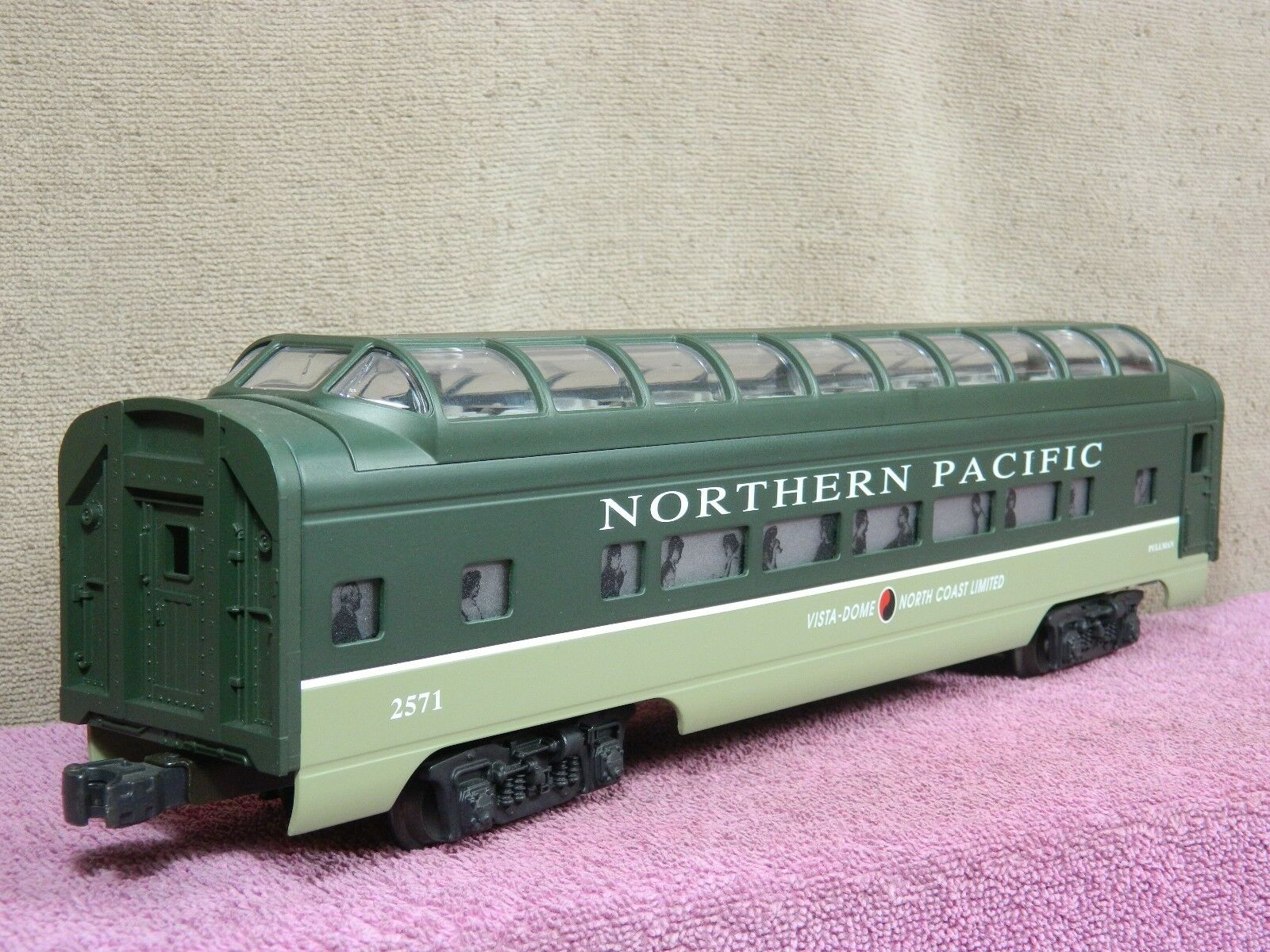 LIONEL CLASSIC  6-19169 NORTHERN PACIFIC FULL VISTA DOME PASSENGER CAR NIB