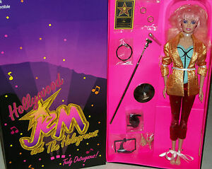 Jem-And-The-Holograms-Comic-Con-80s-New-Wave-Classic-Hollywood-doll-Sdcc-Xmas