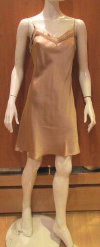 Kurznachthemd Marjolaine Modell Aufgeweicht 100/% Seide Farbe Nackt Größe 40//46