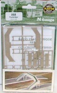 Ratio 222 Concrete Footbridge. Plastic Kit N Gauge Railway Model