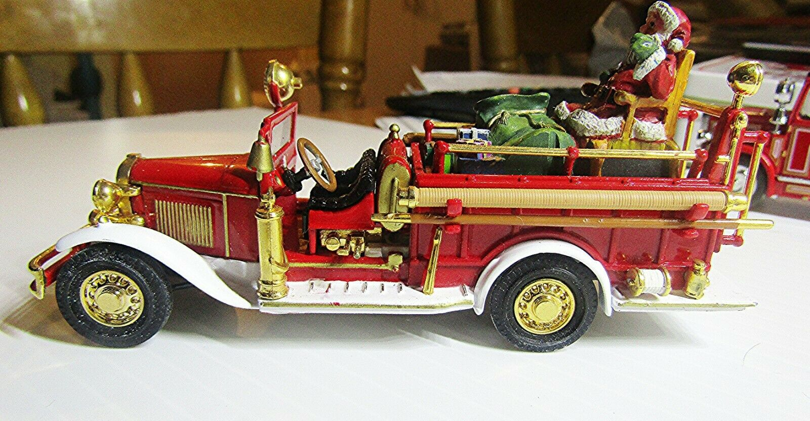 MATCHBOX YFE09 YESTERYEAR 1932 FORD AA OPEN CAB FIRE ENGINE- SANTA CLAUS SLEIGH