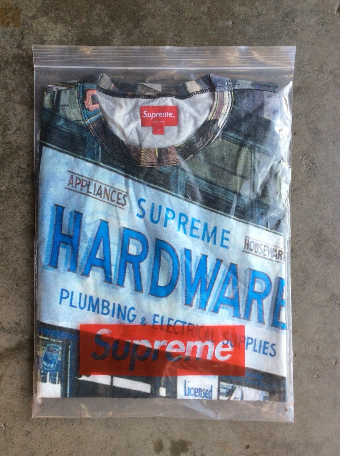 311c0343 NWT NWT NWT Supreme x Richard Estes Hardware S/S Top T-Shirt sz Large ba8ca7