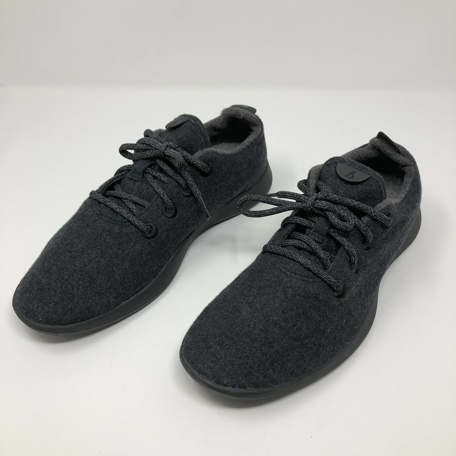 Allbirds Lana Runner Comodidad Zapato Suela Negro Carbón con excelente condición usada para hombres talla 10