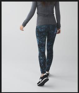 Lululemon-floral-backdrop-blue-denim-speed-tights-CAN-2-AU-6