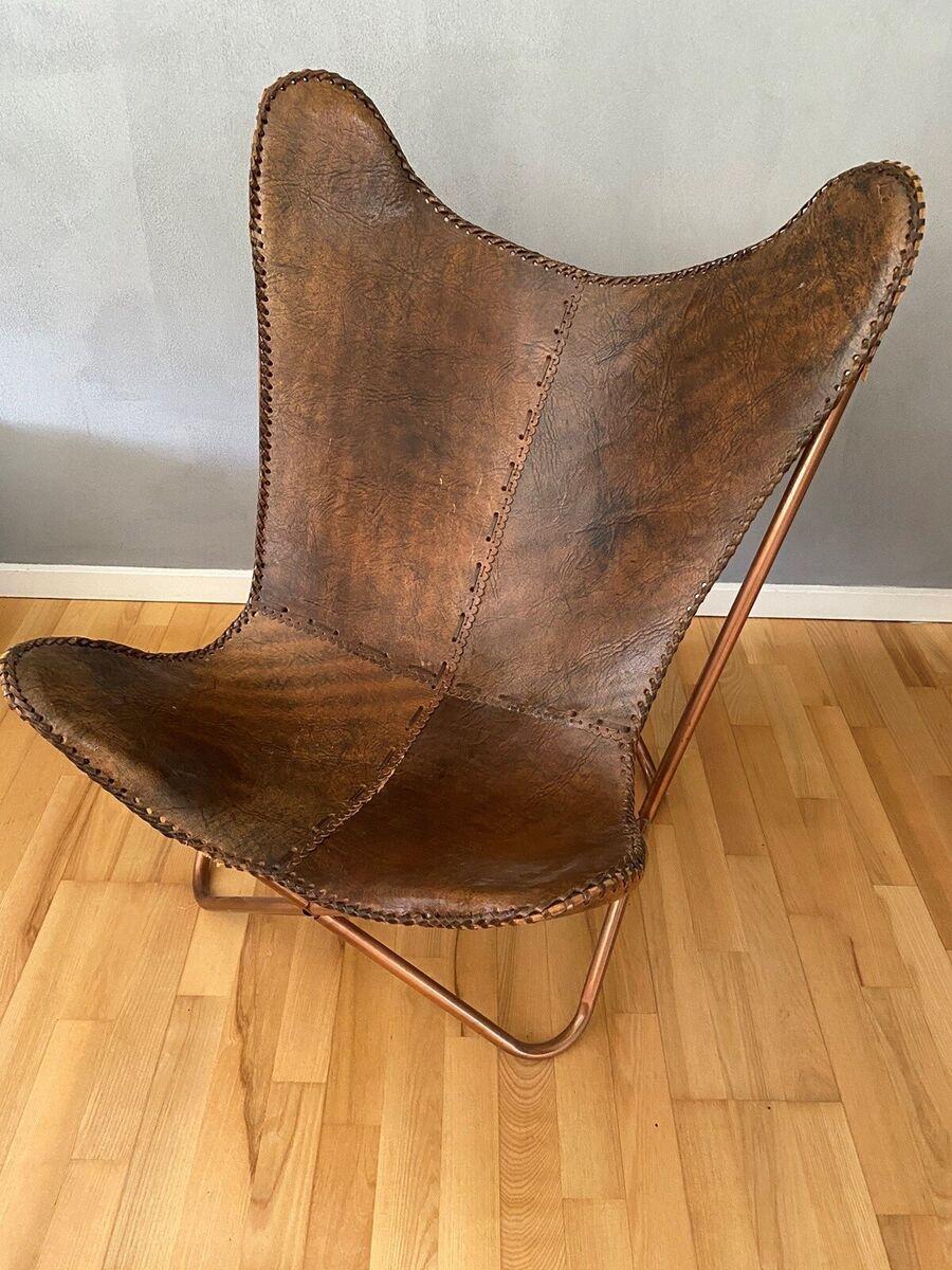 Lænestol, læder, Flot brug flagermus stol i brun læder og