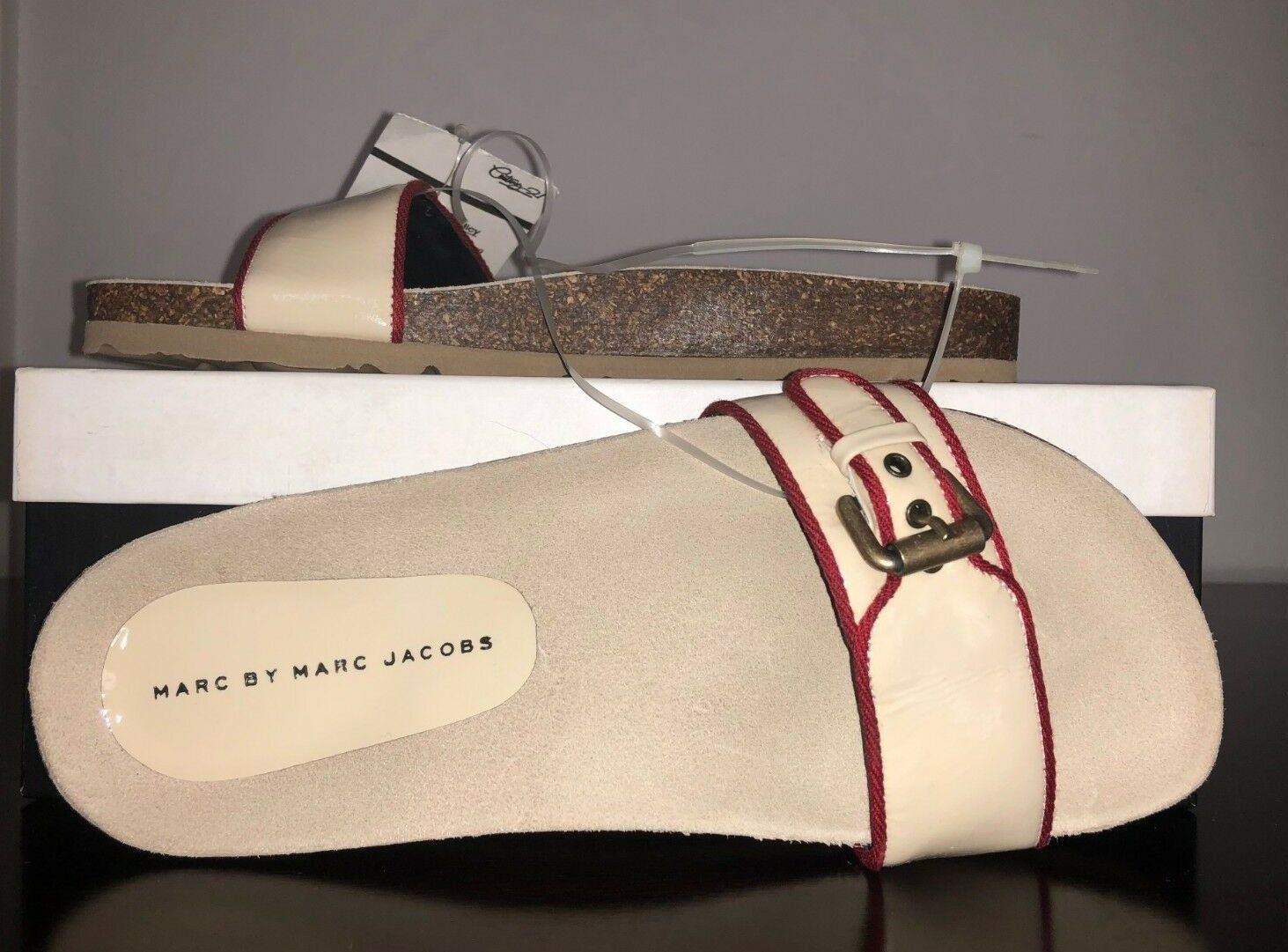 NIB RARE  Marc By Marc Jacobs Buckle Sandals Slides Ivory Red, Size 9.5M, 39.5EU