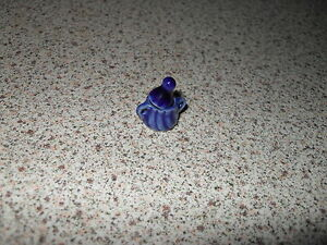 Expressif Maison De Poupées Bleu Pot Avec Couvercle-afficher Le Titre D'origine