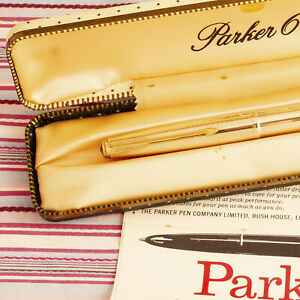 VINTAGE-PARKER-61-GOLD-SIGNET-INSIGNIA-2-JEWEL-FOUNTAIN-PEN-NEW-MINT-FULL-SET