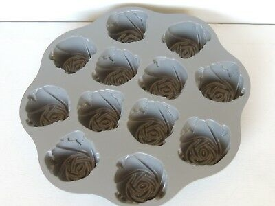 Nordic Ware Quot Sweetheart Roses Quot Muffin Pan Ebay