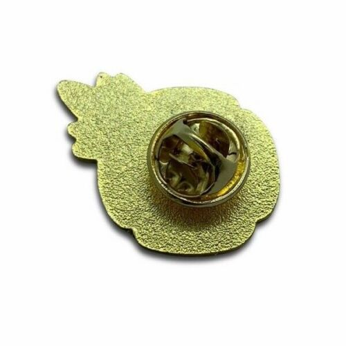 REMEMBRANCE PIN BADGE PEACE 2019 20/% donated to British Red Cross WHITE POPPY