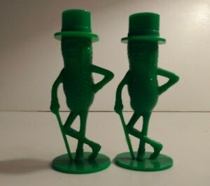 Planter-039-s-Nuts-Mr-Peanut-Advertising-3-034-Green-Salt-and-Pepper-Shakers-Vintage