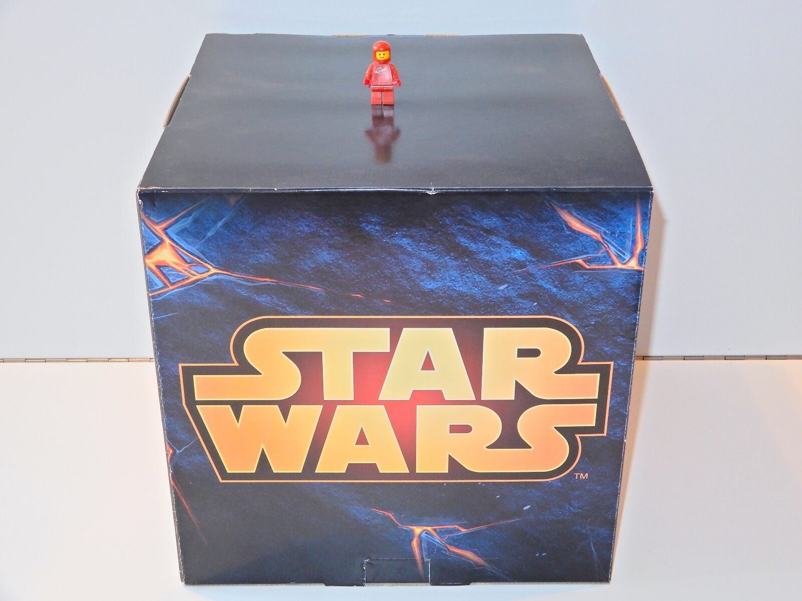 LEGO RETAIL STORE SHOP DISPLAY PLINTH CARDBOARD CUBE PEDESTAL 'STAR WARS'