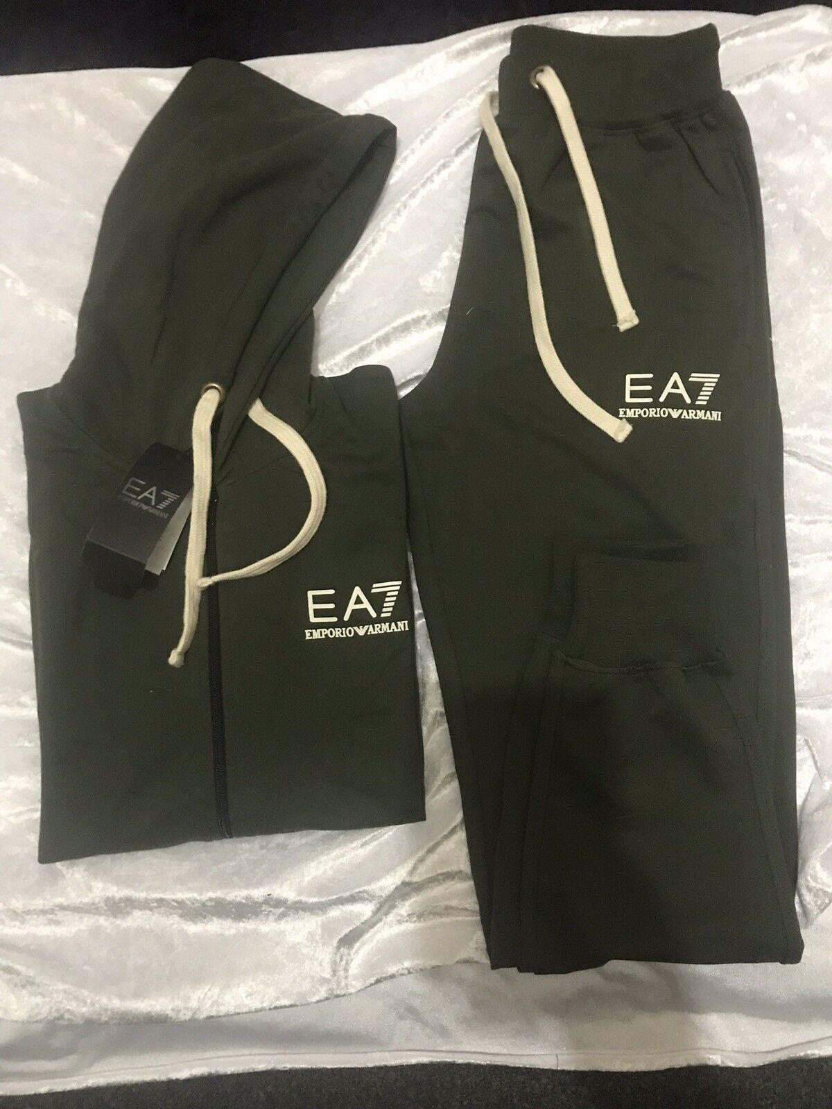 Emporia Armani EA7 Full Zip Chándal verde Oliva  tamaño  XLarge. venta VENTA VENTA  60% de descuento