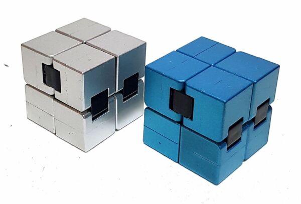 2x Cubo Magico Cubo Stress Degradazione Car Toy Anti Stress Giocattolo Blu & Argento Dolorante
