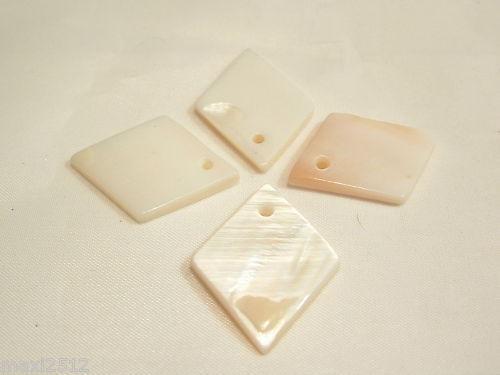 10 x Dyed Shell Diamond Pendants BNSP123 Shaded Cream