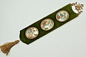 Miniature-Samtrahmen-Olive-Green-With-3-Miniatur-Bildern-Oval-Sign-C43