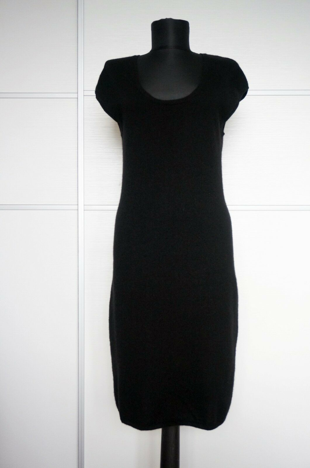 Gerto Oslo 100% Cashmere schwarz Dress, Größe S