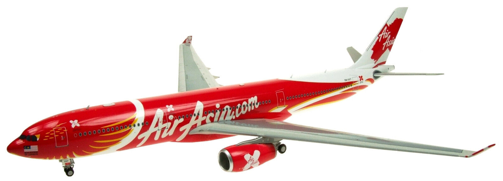 INFLIGHT200 IF3330816 1 200 AIRASIA X A330-300 9M-XXT WITH STAND
