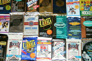 AWESOME-LOT-OF-100-UNOPENED-OLD-VINTAGE-HOCKEY-CARDS-IN-WAX-CELLO-RACK-PACKS