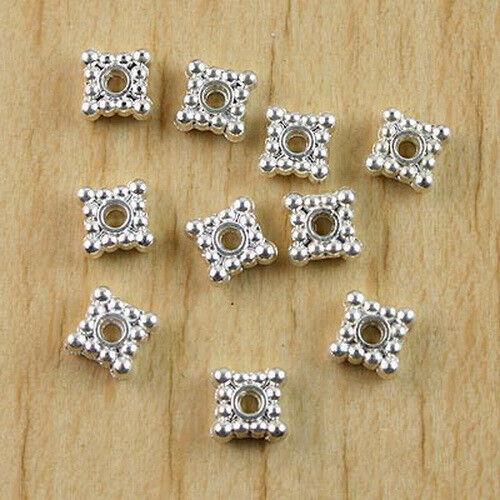 50Pcs Silver-tone 2 lados cuadrado punteado borde espaciador granos h0812