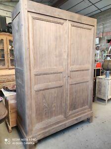 Ancienne Armoire 2 portes en bois massif brut