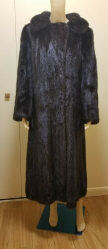 Beautiful Elegant  Dark Brown Mink Fur Coat