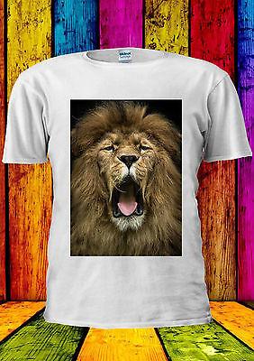 photo of lion roaring
