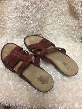 Clarks  bendables Red sandals women's size 10 M