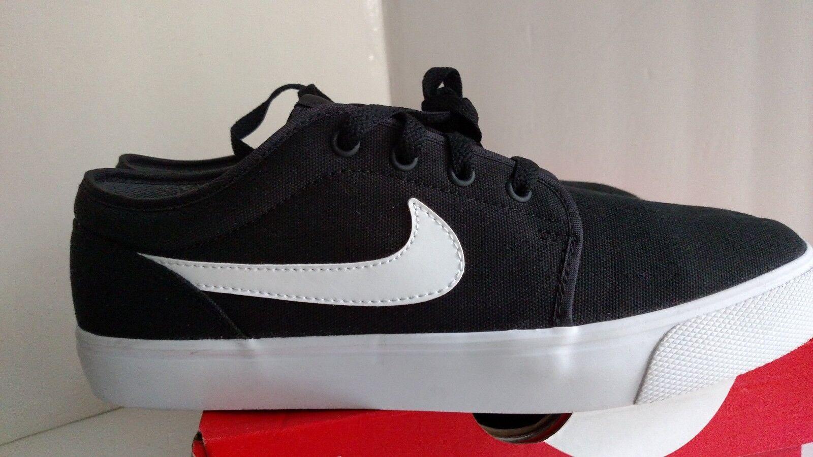 Nike Toki Low TXT textile black white 555272-020 Mens US size 9.5 Seasonal clearance sale