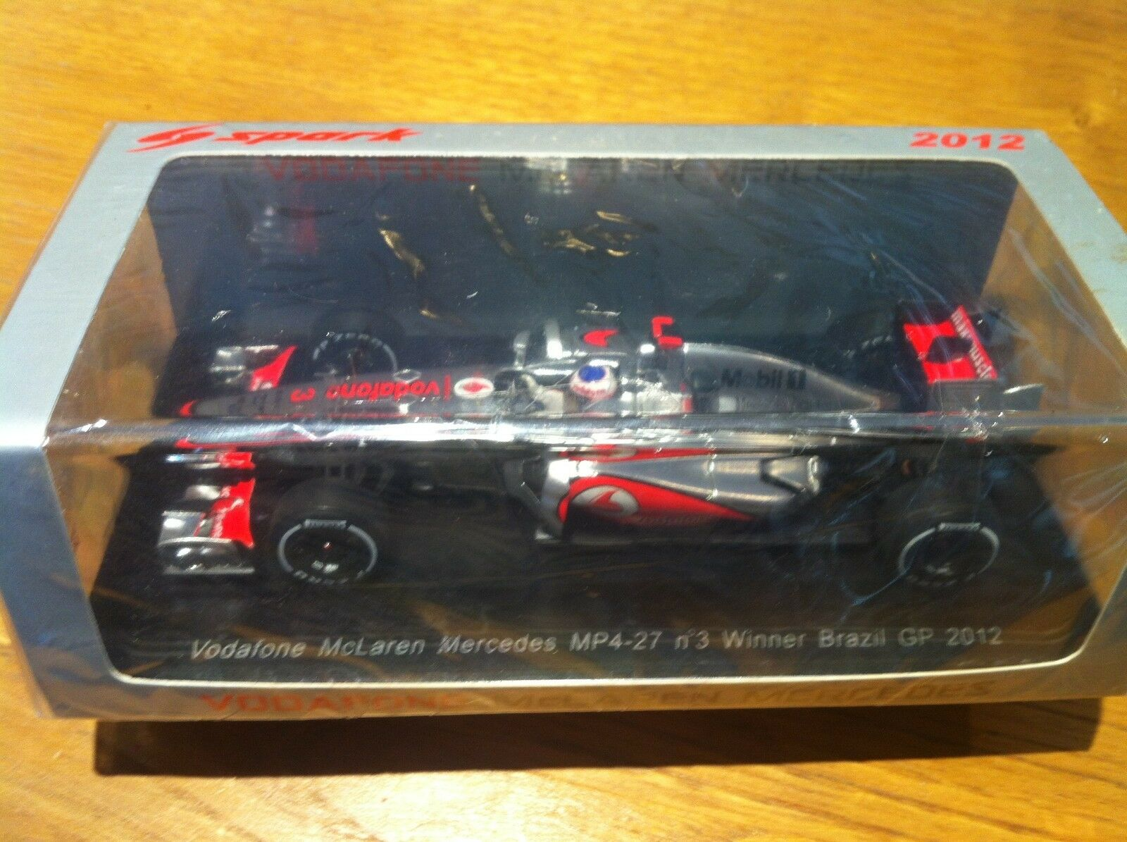Spark Mc Laren (McLaren) MP4-27 Button Bresil Brazil GP 1 43 S3049