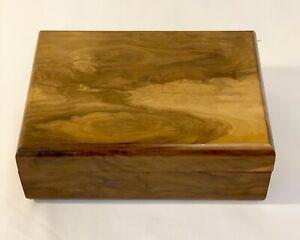 VINTAGE INDIAN WOOD  SOLID WALNUT BOX TRINKET JEWELLERY STORAGE 7x 5 ins