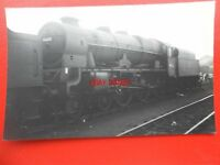 PHOTO  LMS ROYAL SCOT (SCOT) 4-6-0 46132 THE KING'S REGIMENT LIVERPOOL AT WILLES
