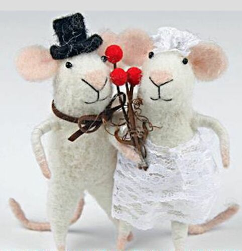 New Cute Pin Felt Needle Felted Collectible Bride /& Groom Mouse Figure Gift