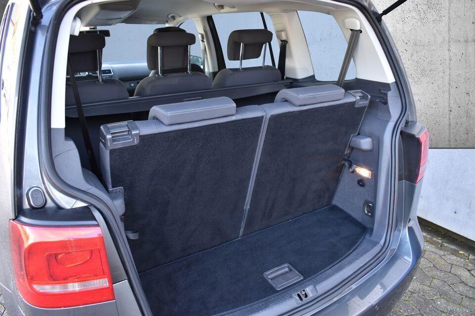 VW Touran 1,6 TDi 105 Comfortline BMT Diesel modelår 2015 km