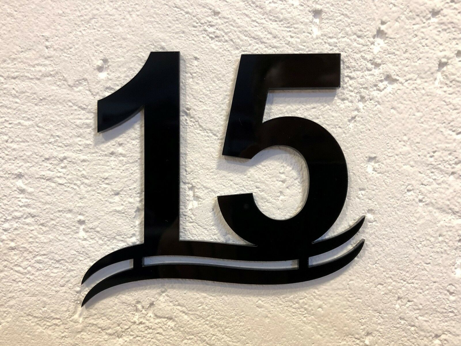 Número de casa de cristal acrílico con diseño