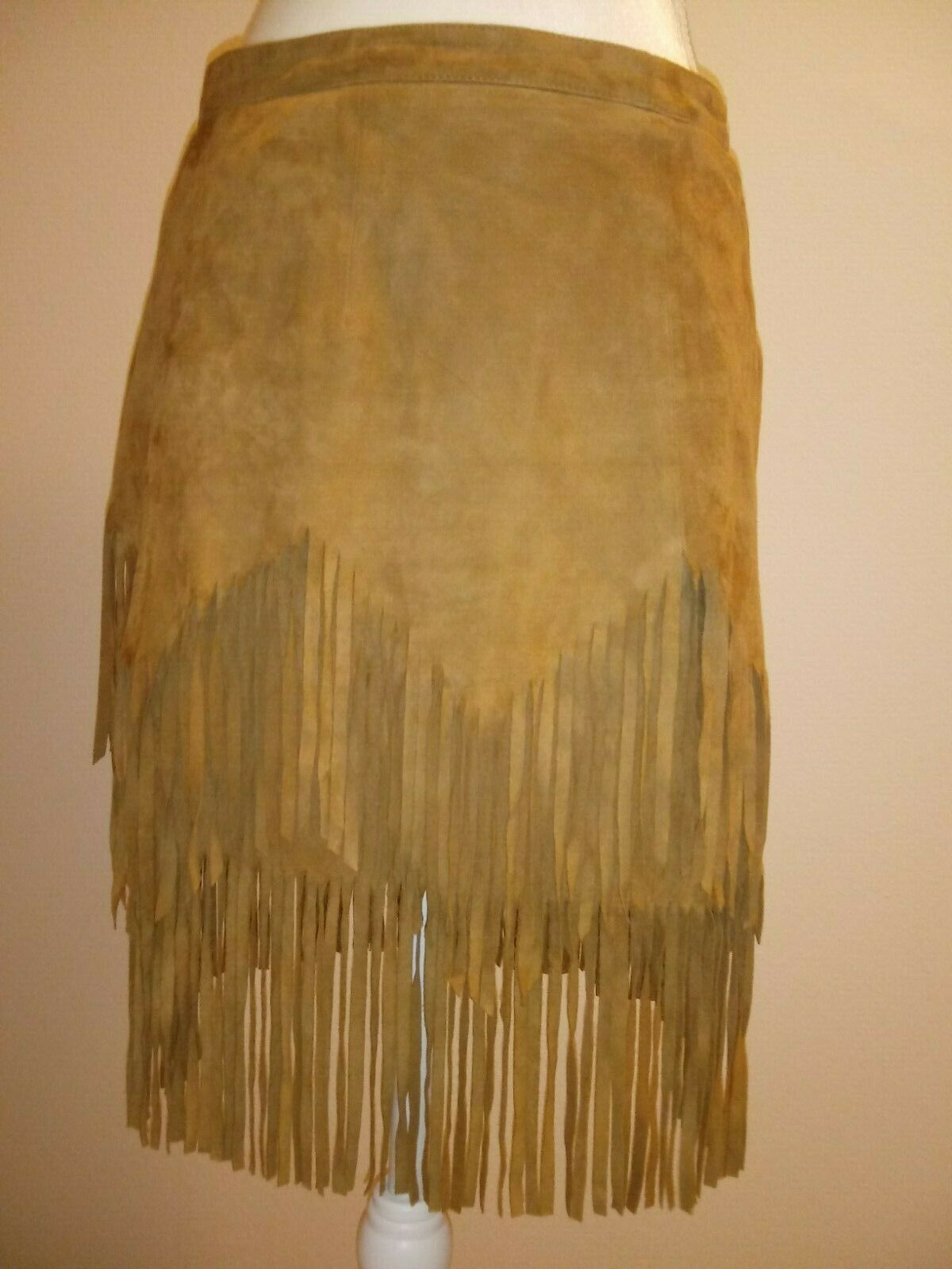 FREE PEOPLE  Womens Skirt Geniune Soft Tan Suede Skirt With Fringe  Size 6