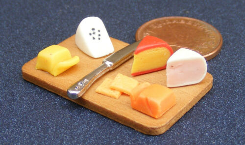 1:12 Scale Cheese Fixed On A Board Tumdee Dolls House Delicatessen Food Shop 277